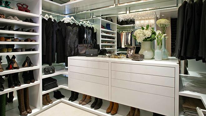 closet-em-apartamento-de-luxo