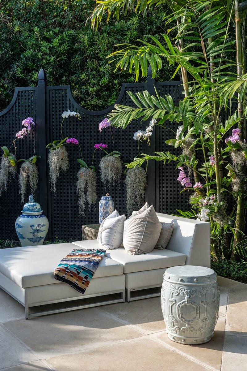 reinventing-palm-beach-style-designrulz-blue-white-porcelain-orchids